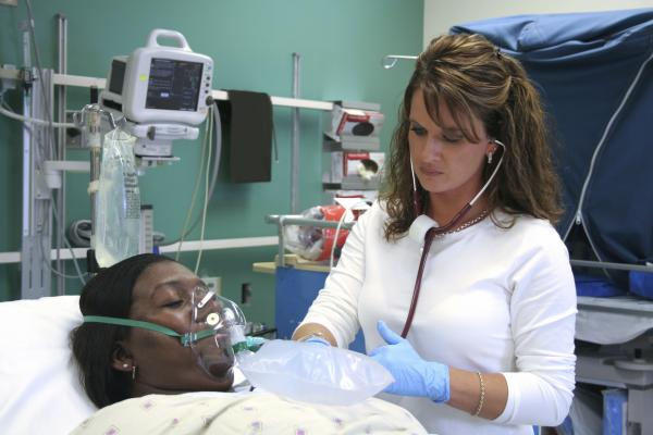 Giving oxygen to patients suffering a heart attack is not beneficial, according to the DETO2X-AMI study.